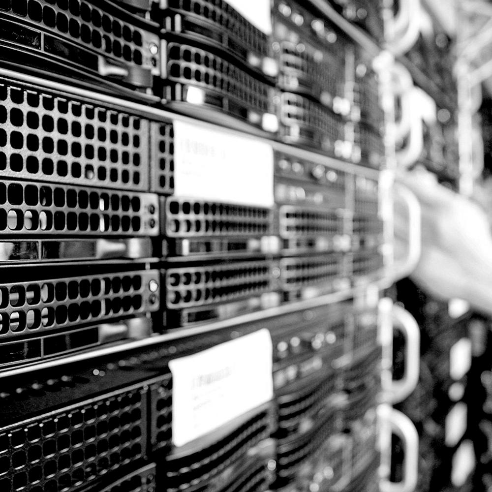 Foto mit Servern für IT-Service von net-pulse Solutions GmbH